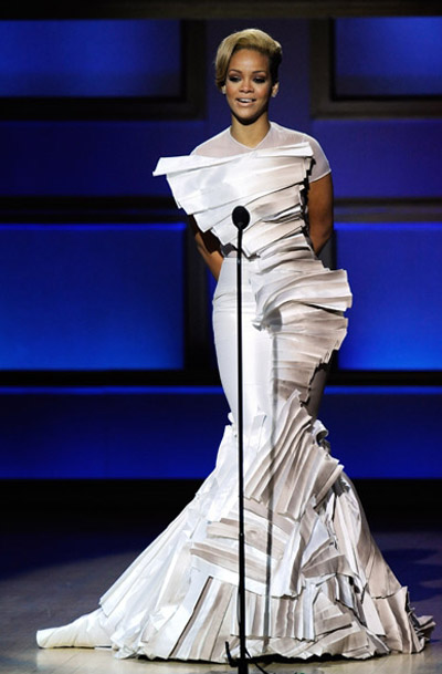 Rihanna wore a helluva dress to Glamour magazines Woman Of The Year Honors at Carnegie Hall in NYC.